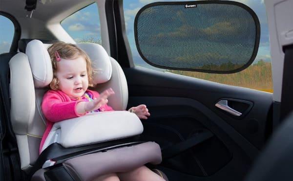 protéger bébé de la chaleur en voiture